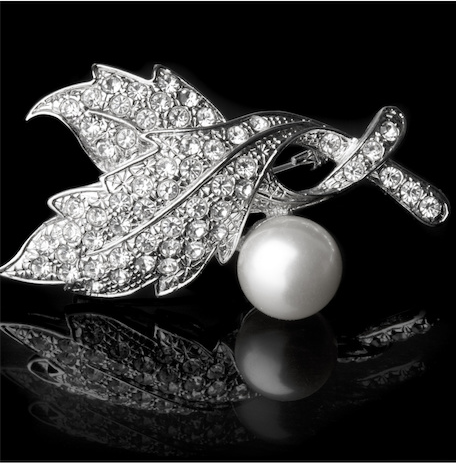 Diamond Pearl Broche